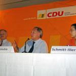 Bundesinnenminister a.D. Dr. Wolfgang Schäuble (2.v.r) zu Besuch bei Egon Jüttner (3.v.r) im Bundestagswahlkampf in Mannheim bei einer Podiumsdiskussion, mit  Rebekka Schmitt-Illert aus der Frauen Union Mannheim (ganz rechts)