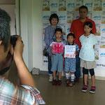 安来JC 親子で学ぶ徳⑨ 特製ボードの前で記念写真!
