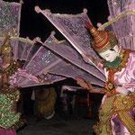 Diese Tänze haben ihren Ursprung schon aus der Zeit vor der buddhistischen Missionierung.