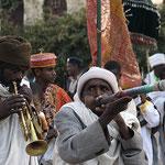 Beginn der feierlichen Prozession beim Timkatfest in Axum.