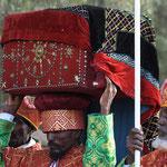 """Die """"Bundeslade"""" beim Timkatfest in Axum."""