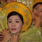 Traditionelle Tänzerin im Kaiserpalast von Hue.