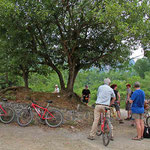 Bei plus 30° und 100% Luftfeuchtigkeit fließt bei einer Radtour über Land viel Schweiß .........