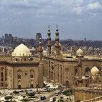 Dicht beieinander stehen die Sultan-Hassan-Moschee  und die El-Rifai-Moschee.