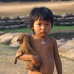 In einem Dorf in Kambodscha.
