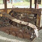 Überreste aus dem Tagebergbau in der Silberstadt Keno-City.