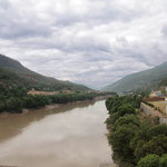 Der noch junge Jangtse-Fluss.