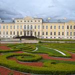 Das Barockschloss Rundale wurde im Auftrag von Zarin Anna Iwanowna für einen ihrer Liebhaber erbaut.