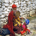 Straßenhändler beim Pharo - Tsechu, dem großen religiösen Fest in Bhutan.