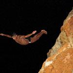 Die Klippenspringer von Acapulco stürzen sich aus 36 m Höhe ins Meer.