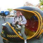 """Mit dem """"Coco-Taxi"""" durch Havanna."""