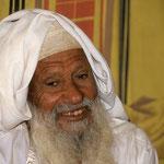 Vater von Hassan, der in der Großen Arabischen Wüste Rub al Khali als Nomade lebt.
