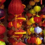 Lampions gibt es überall in Vietnam.