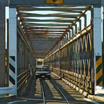 Die Straßen sind auf der Südinsel von Neuseeland meist recht schmal. Auch der Verkehr hält sich angesichts der geringen Bevölkerungsdichte in Grenzen. Brücken sind oft nur in einer Fahrtrichtung befahrbar - auch vom Zug!