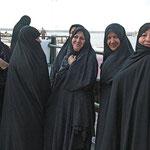 Entgegen der weit verbreiteten Meinung, dass man Frauen im Iran nicht fotografieren dürfte, ist das kein Problem.