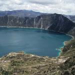 Laguna Cilotoa - Anspruchsvolle Wanderung einmal rund um den See - stets über die Gipfel.