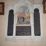 dans la chapelle, la plaque du souvenir 14-18