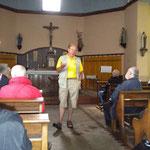 les explications dans la chapelle