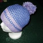 Häkelmütze flieder und lila mit dickem Bommel