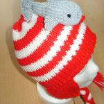 rot-weiße Mütze mit Hai (out)