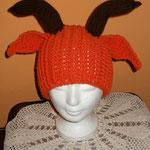 orange Mütze mit Ohren und Hörner