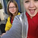 Eliis und Laura sind wach :-)