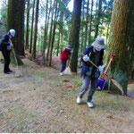 登山道の清掃