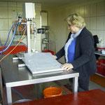 "Abfüllung des pasteurisierten Saftes ins ""Bag in Box"" -System"