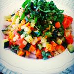 Gedämpftes Gemüse in Tomaten- Hafersahne mit Basilikumpesto und glutenfreier Pasta