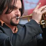 Anne Oberhauser Poggi (Eicher joue de la trompette?).