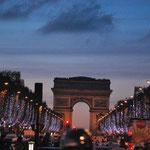 Hommage à Dédé Freymond (Un journaliste ça gagne bien pour aller a PARIS ?), Maria Nikovska.