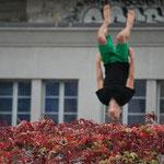 Karine Levasseur (Cette photo est stupéfiante !), Tania Potapova (Bonne idée : un peu de lévitation ça fait du bien !), Sophany Keal .
