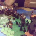 Im Wald Volwoden haben sich die Heere von Media Aurora und Angor gegenseitig dezimiert