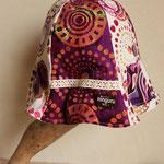 かわいい花火が帽子に咲いてるよ!紫のドットチューリップハット