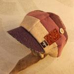 淡い紫からピンクへのグラデーションが美しいやさしさ溢れるキャスケット