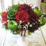お母様のお誕生日プレゼントに、赤と緑の色合いで