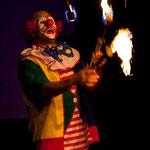 Feuerjonglage - Clown Ferdi