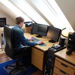 Maurice am Cutter Arbeitsplatz Adobe Premiere CS 5