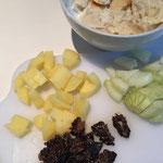 Kartoffeln, Zwiebeln, eingeweichtes Brötchen, Morcheln