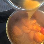 Mit Orangensaft ablöschen