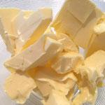 Butter in Würfel schneiden