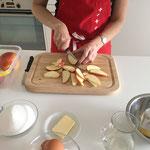 Äpfel in Schnitze schneiden