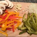 Gemüse in Streifen schneiden