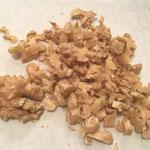 Die Nüsse zerkleinern