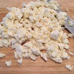 Mozzarella würfeln