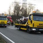 Der ADAC schleppte die Unfallwagen ab.