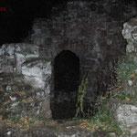 Burg Neudahn, Außenbereich, Rundgang zur Umgebungsmessung