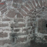 Burg Neudahn, Innenansichten, inkl. Staub und Insektenorbs
