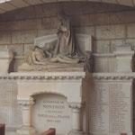 Eglise de Nontron (24 Dordogne) la Pièta du monument aux morts - photo MC pour les amis de l'orgue de l'Orgue de Nontron