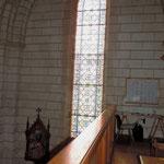 Eglise de Nontron (24 Dordogne) vitrail depuis la tribune - photo MC pour les amis de l'orgue de l'Orgue de Nontron